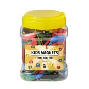 Magneetletters voor kinderen in verschillende kleuren